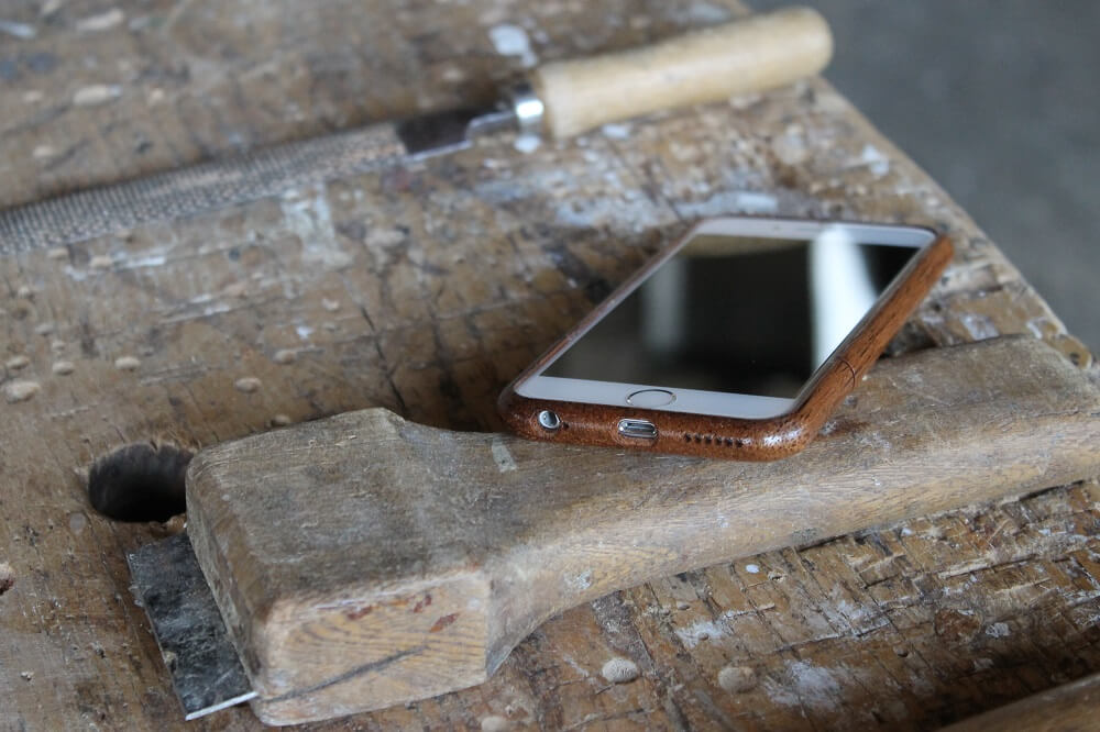 Wooden iPhone 6 case Walnut AltNova Cases